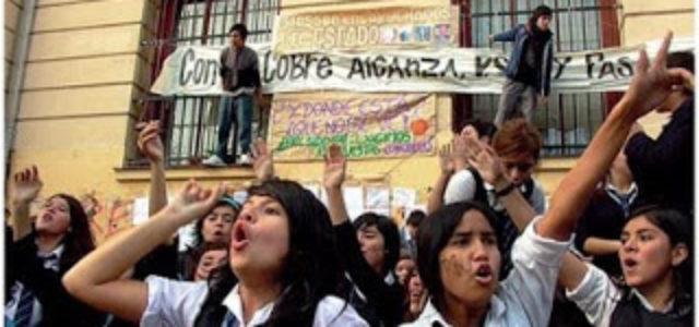 CHILE: HAY QUE FORTALECER LOS CORDONES Y ASAMBLEAS DE ESTUDIANTES , INTEGRANDO A TRABAJADORES Y POBLADORES