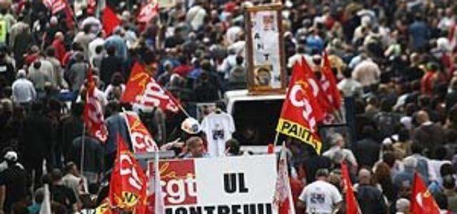 FRANCIA: LOS TRABAJADORES Y LA JUVENTUD RESISTEN LOS ATAQUES DE SARKOZY