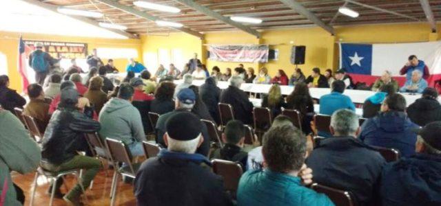 Chile : Pescadores artesanales organizan protesta nacional para que Bachelet anule la Ley Longueira
