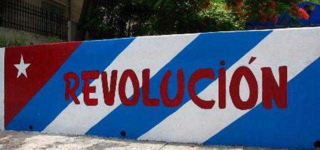 La revolución cubana debe seguir en lucha política
