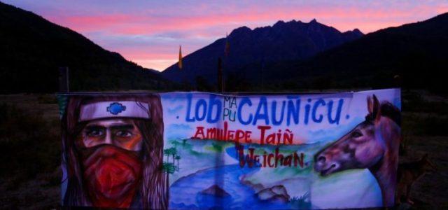 Chile / Wallmapu – Al estilo dictadura militar; cercano a un centenar de Carabineros de Fuerzas Especiales y agentes de la PDI dotados de vehículos blindados y helicóptero para infundir temor en el Alto BioBio.