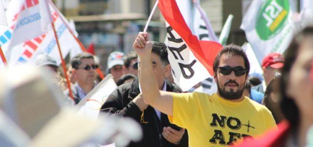 No+AFP entrega en La Moneda propuesta para nuevo sistema previsional