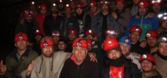 Chile – Mineros de Curanilahue protestan a 300 metros de profundidad por incumplimientos