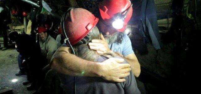 Chile – Mineros de Curanilahue pasan Navidad junto a sus familias bajo tierra