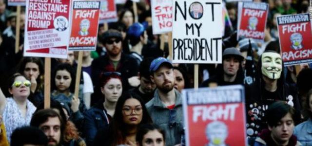 EEUU – Washington se pone de pie contra la asunción de trump