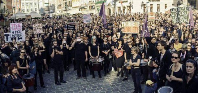 Polonia  – La Protesta Negra por el derecho al aborto