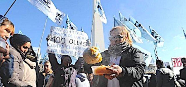 Bloqueos, marchas, ollas populares y ruidazos contra la crisis en Argentina