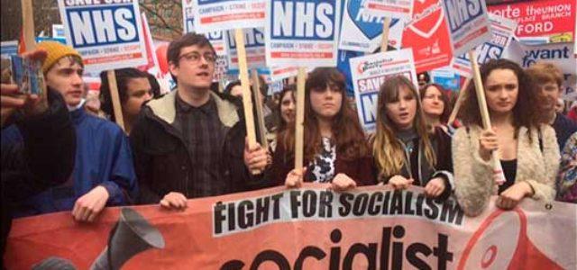 Gran Bretaña • La manifestación masiva  para salvar el Servicio Nacional de Salud (NHS)