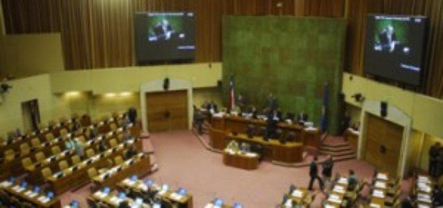 Periodistas de todo el mundo piden a parlamentarios chilenos revelar sus impuestos