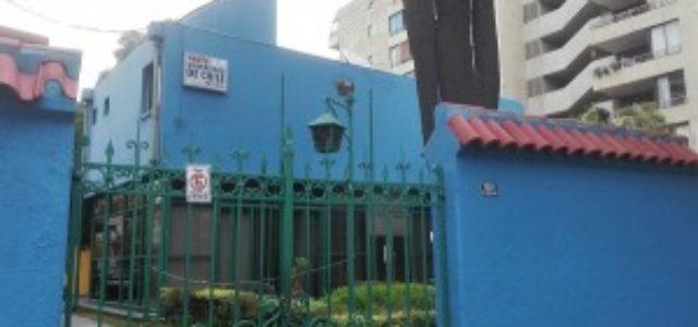 Honorarios de U. de Chile apoyan a trabajador despedido y acusan precariedad laboral