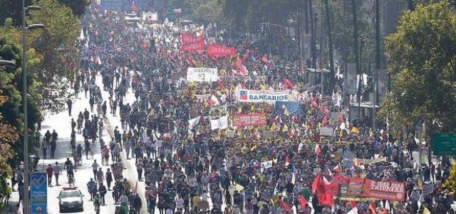 Cerca de dos millones de chilenos marcharon exigiendo el fin de las AFPs