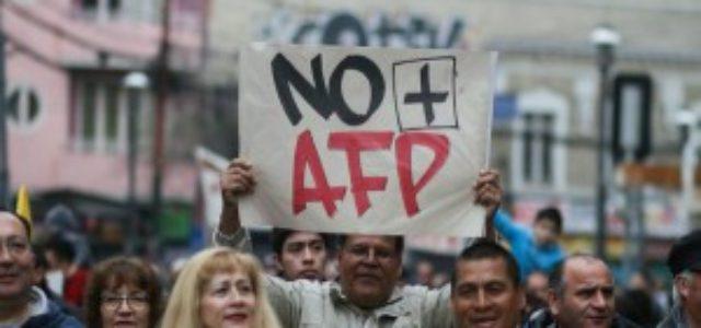 """Chile – No+AFP: """"El Gobierno presta oídos a quienes financian las campañas"""""""