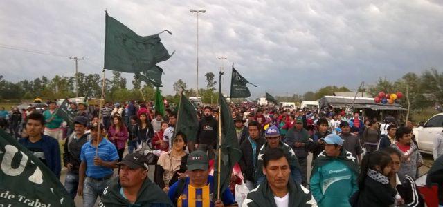 Miles de argentinos protestan contra política económica de Macri
