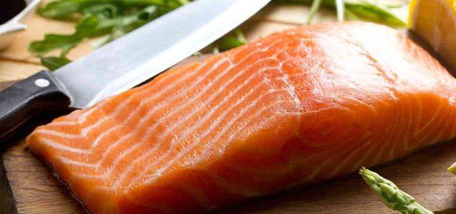 Salmón Químico chileno: Llaman a no consumir salmón por alto uso de antibióticos