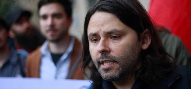 Chile – Alberto Mayol demanda que la Contraloría se pronuncie sobre la legalidad de la actuación del Director del SII respecto al financiamiento ilegal de la política