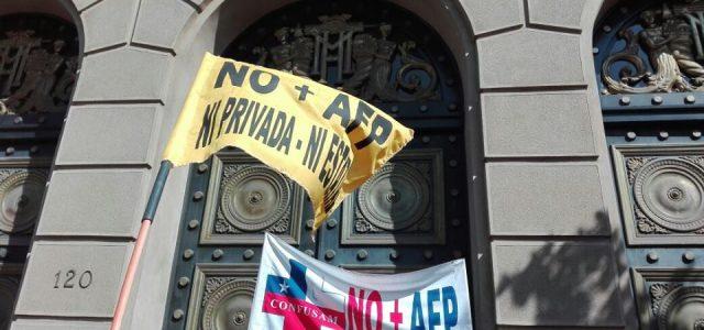 Chile – PROTESTA CONTRA MINISTRO DE HACIENDA Y ANUNCIO DEL GOBIERNO
