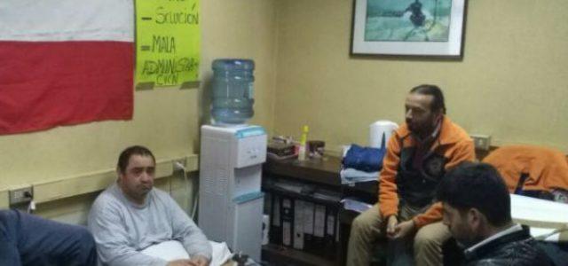 Chile – Dos trabajadores del Hospital de Valdivia comenzaron huelga de hambre