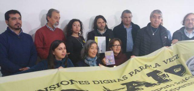 Chile: Alberto Mayol se reunió con la Coordinadora Nacional de Trabajador@s  NO+AFP