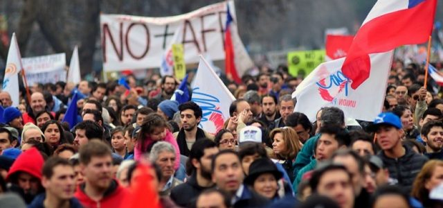 Más del 60% de los chilenos cree que las AFP deben ser reemplazadas por un sistema público solidario