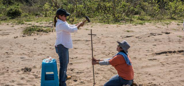 México –Las madres mexicanas que excavan la tierra para buscar a sus hijos