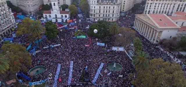 Argentina – Memoria, unidad y movilización es la receta para hacer retroceder a Macri