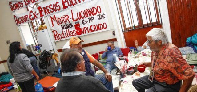 """Chile – Ex prisioneros políticos: """"El Gobierno se ha dedicado a tomarnos el pelo"""""""