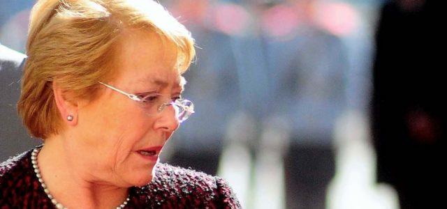 Chile – Acoso sexual: Bachelet firma perdonazo para jefe de servicio que fiscal recomendó destituir