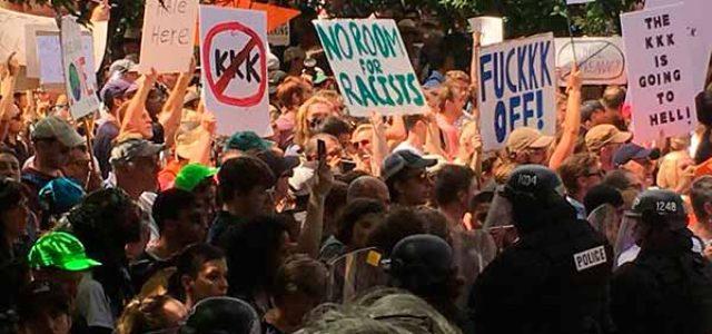 EEUU – La violencia neonazi en Charlottesville reaviva la resistencia contra Trump