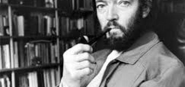 Un día como hoy nació el escritor Julio Cortázar