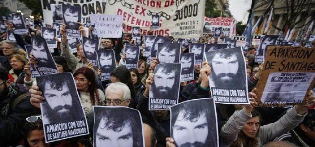 """Masiva movilización en Argentina. """"¿Dónde está Santiago Maldonado?"""""""