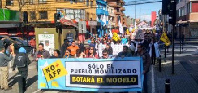 Chile – Trabajadores en huelga encabezaron nueva marcha contra AFP en Concepción