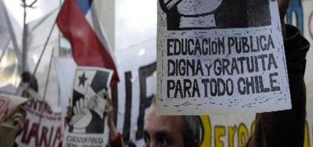La farsa de las reformas educativas y el movimiento estudiantil