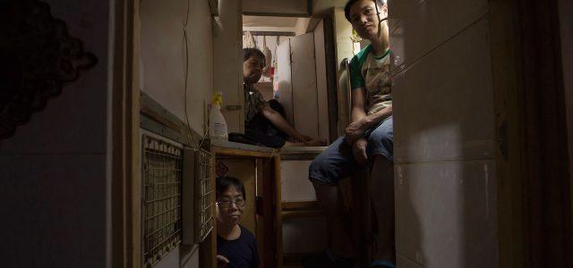 Los insalubres y hacinados ataúdes-dormitorio de Hong Kong
