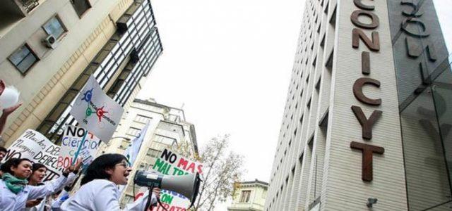 """Chile – Presupuesto """"miserable"""": científicos critican duramente al gobierno por reducción en 15 mil millones para ciencia"""
