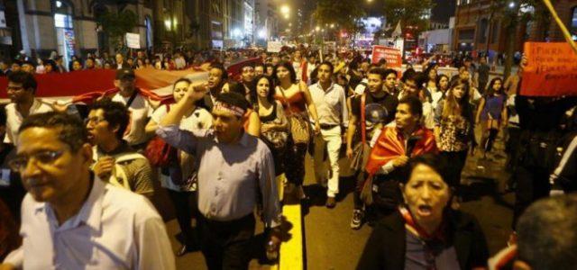 Jornada clave en Perú ante posible destitución de Kuczynski