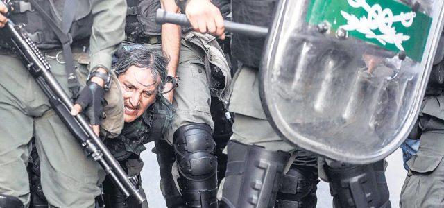 Argentina –  Mientras los diputados discutían en el Parlamento, las fuerzas de seguridad reprimieron brutalmente en los alrededores