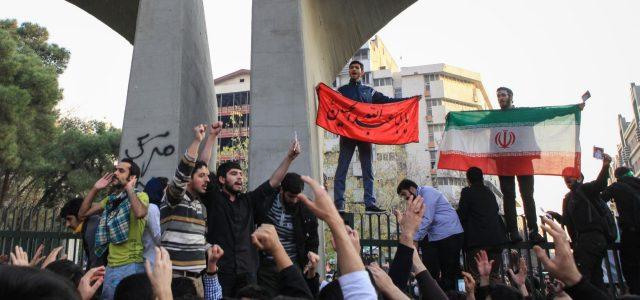 Reportes audiovisuales sobre protestas en Irán