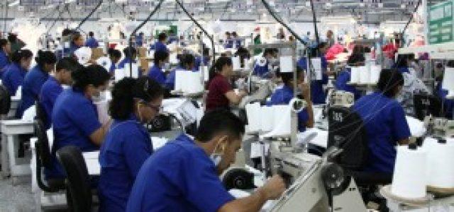 El papel de la mujer trabajadora en la industria de la maquila