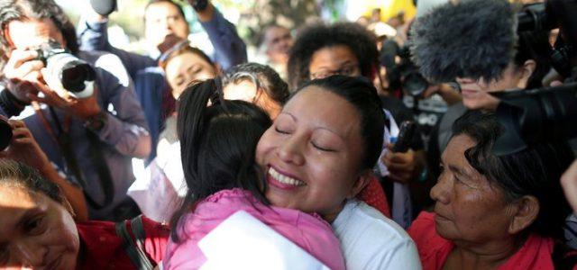El Salvador – conmutaron la pena de 30 años por aborto de Teodora del Carmen Vásquez