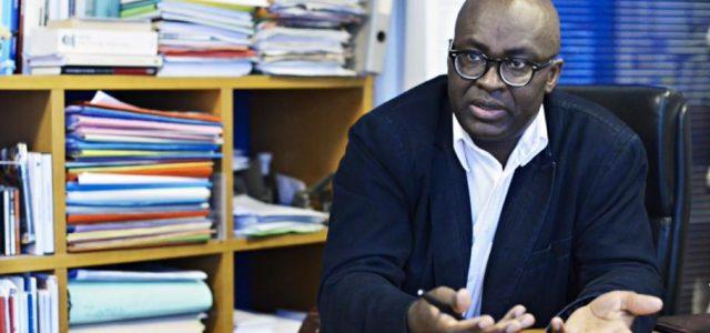 Entrevista a Achille Mbembe:  «Cuando el poder brutaliza el cuerpo, la resistencia asume una forma visceral»
