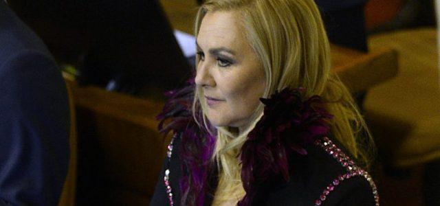 """Chile – Pamela Jiles: """"¿Piñera prefiere que niños Sename mueran antes que darles familia de padres homosexuales?"""""""