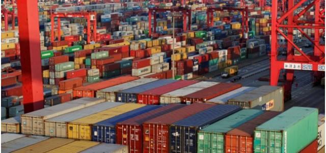 La guerra comercial de Trump amenaza la economía estadounidense y el orden global