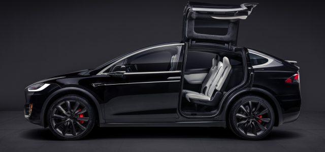 Tesla se desploma en Wall Street mientras comienzan las investigaciones sobre el accidente mortal