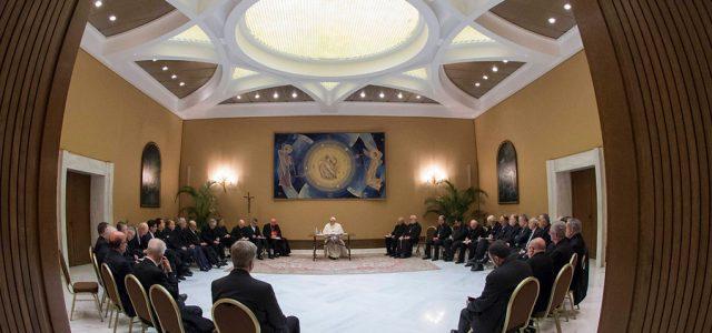 """Obispos chilenos dejan sus cargos a disposición: """"Queremos pedir perdón por nuestros graves errores y omisiones"""""""