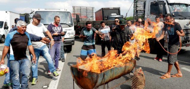 Brasil –Paralización de camioneros es una mezcla de huelga y locaut