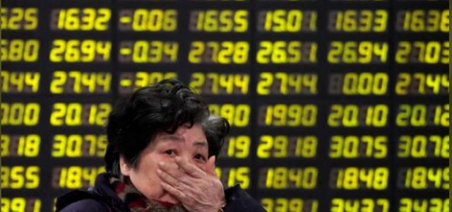 Acciones chinas caen en línea con declive global