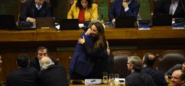 Chile – DC y radicales hacen caer acusación del Frente Amplio contra Santelices