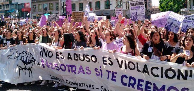 Estado Español – La Audiencia de Navarra deja en libertad a los violadores de La Manada