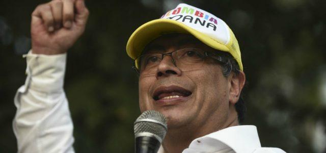 Colombia –Pastores evangélicos hacen campaña anti-Petro en sus cultos
