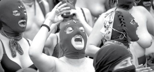 Chile – Enfrentadas al patriarcado: una ola de barricadas feministas